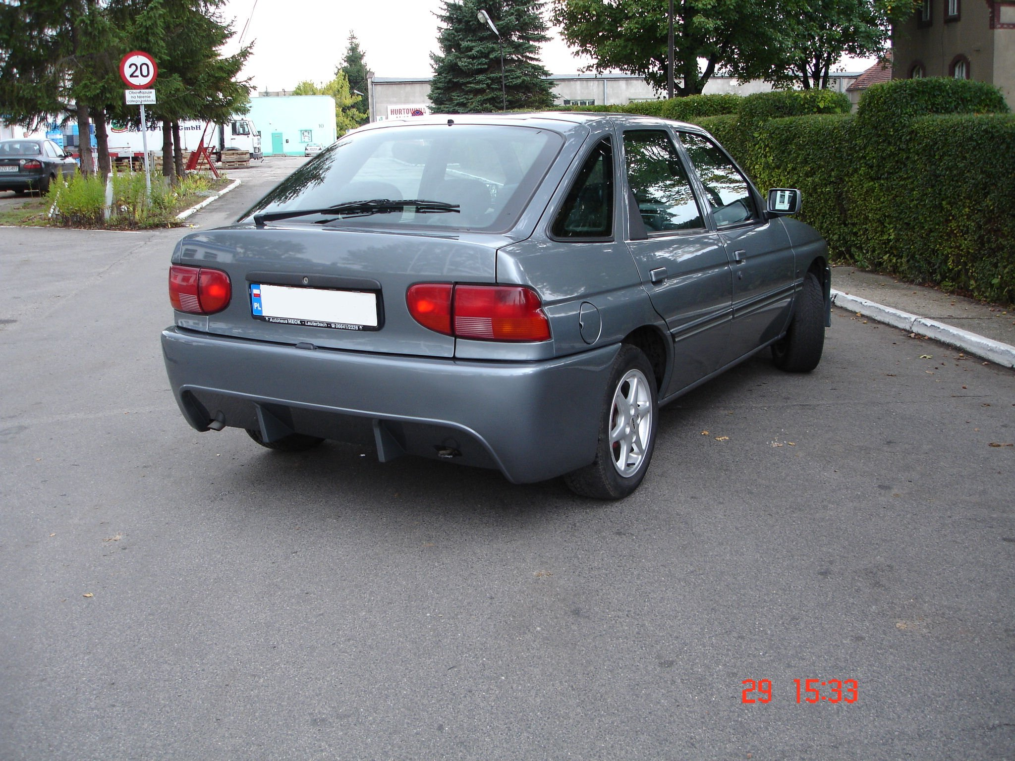 1995 Ford Escort Specs, Pictures, Trims, Colors || Cars.com